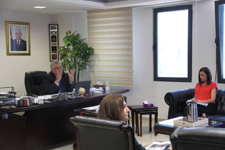 لقاء رئيس سلطة المياه مازن غنيم مع المسؤولة الإسبانية